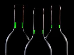 กัมพูชา! 14 คนเสียชีวิตเพราะไวน์ข้าวเถื่อน