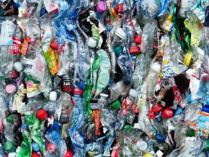 งานวิจัยพบไมโครพลาสติก 14 ล้านตันในก้นทะเล